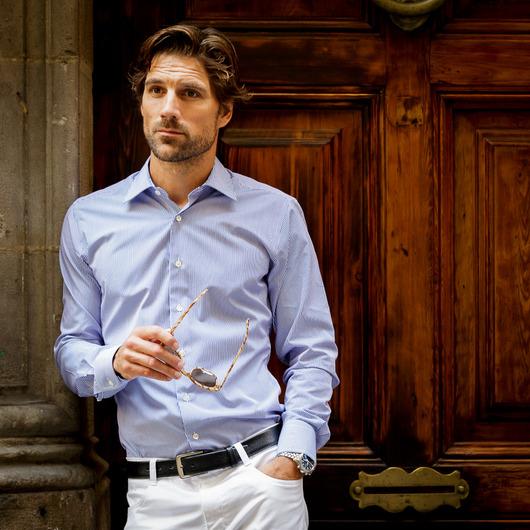 Blå/Vitrandig business poplinskjorta