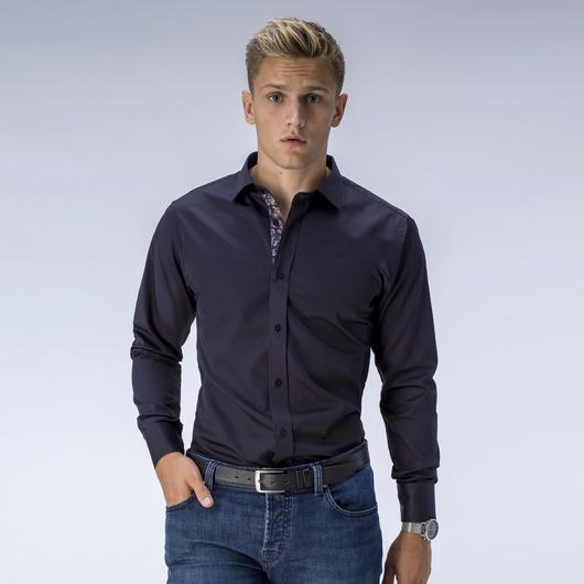 Zwart overhemd met contrasten