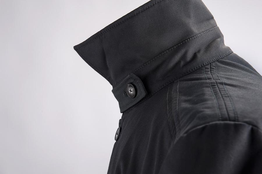 manteau car classique en noir sur mesure. Black Bedroom Furniture Sets. Home Design Ideas